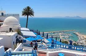 كورونا يضرب القطاع السياحي في تونس بعد تعافيه