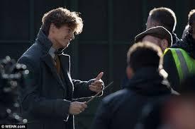 Eddie Redmayne looks sharp on set of <b>Fantastic Beasts</b> 2 | Newt ...