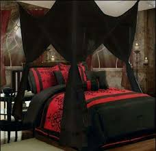 Love the red and black!