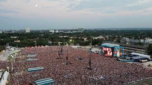 Pollstar Concert Pulse Taylor Swift Takes Top As Ed