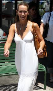 nora ephron gawker we think the annoyingly sunny jennifer love hewitt must be reading nora ephron right now