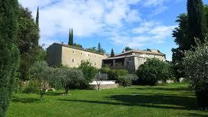 aux portes de la provence propriété du xvii siècle restaurée avec goût et authenticité