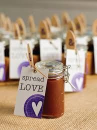 13 DIY Wedding Favors Your Guests Will Actually Want: Apple Butter Wedding  Favor >>