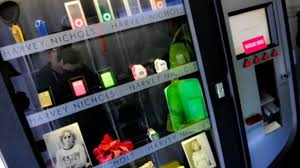 Makeup Vending Machine Gorgeous Bars Breath Mints And Now Beauty Makeup Vending Machines Are The