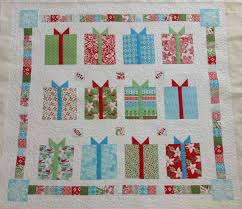 Fabadashery Longarm Quilting: Christmas is coming ..... Flurry ... & Customers are starting to reserve long arm quilting slots in the lead up to  Christmas as they prepare their quilted gifts for friends and family. Adamdwight.com