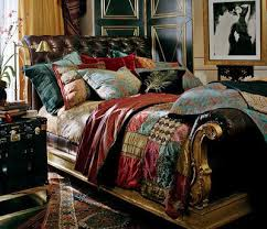 Ralph Lauren Clivedon Bed This Edwardian bed brings the comfort and lan of  a Chesterfield sofa