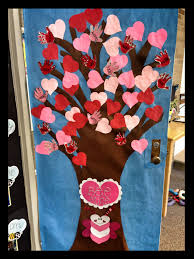 Valentine Door Decoration Ideas This Is A Cute Idea For A Valentines Day Classroom Door Display