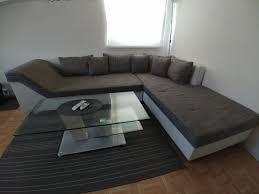 Wohnzimmer Ecke Mit Couch Tisch Und Teppich