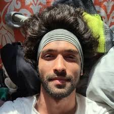 Vikrant massey is an indian film and television actor. Vikrant Massey Vikrantmassey Twitter
