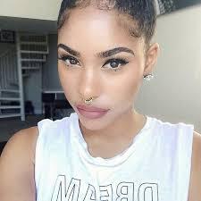 raye boyce simple makeup with mauve lips
