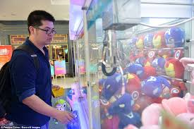 How To Win Vending Machine Games Classy The 'king Of Claw Machines' Shares Secrets Of Winning Daily Mail