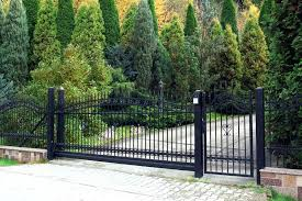 Black vinyl fence Split Rail Black Vinyl Fence Awesome Wood Look New Fencing Prices Reviews Fenci Andymayberrycom Black Vinyl Fence Salthubco