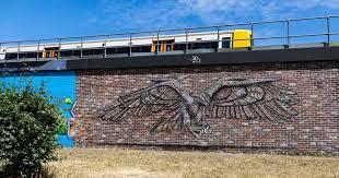 jaw dropping london street art eagle
