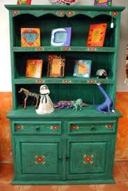 mexican painted furnitureColorful Mexican Table and Chairs  such as bright greens and