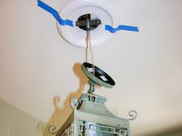 how to tape ceiling medallion