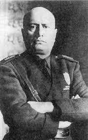 Реферат Бенито Муссолини ru Бенито Муссолини родился в 1883 в семье деревенского кузнеца в провинции Форли области Эмилия Романья в небольшой деревушке Довиа Детские годы его ничем