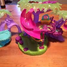 Amazoncom Sega ToysSpin Master Zoobles  Candy Tree House Zoobles Treehouse Playset