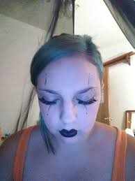 i know is a long way off now but on the first day of should i redo my makeup to look like this