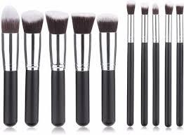 Waarom kiezen voor een set met make up kwasten?