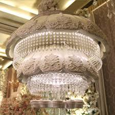 add to board chandelier wedding cake by rr cakes 002