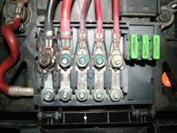 fourtitude com battery fuse box melting help pics so i m wondering if the real culprit here is a bad alternator cable looking for some feedback from anyone who have seen or dealt this in the past