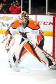 a 6 6 232 pound goaltender from edison new jersey stolarz is in the midst of third professional caign and entered the week with a solid 18 7 0