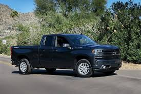 A 4-Cylinder Pickup? Chevrolet Takes a Gamble With 2019 Silverado ...