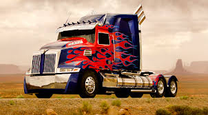 Small Picture Optimus Prime Shows His New Colors For Transformers 4 Giant