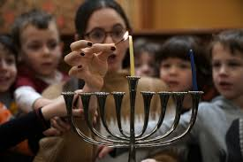 Prayer For Lighting The Menorah Candles What Do You Say On Hanukkah Songs Quotes And Prayers For