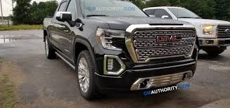 2019 GMC Sierra MultiPro Power Steps & Running Boards | GM Authority