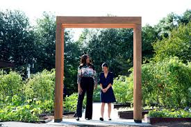 Led Kitchen Garden Michelle Obamas White House Kitchen Garden Gets Uva Led Facelift