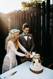 While tsunami cake is made like any other layered cake, with buttercream frosting in between, there is an added twist. Cake Cut Tsunami Wedding Reception Alb Photography