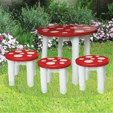 ... Q Toys red with white spot mushroom fairy design toadstool table and  three matching chair excellent ...