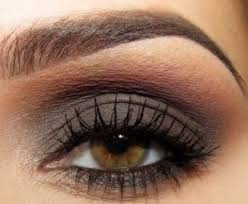 dark eye look goes well with her hazel eyes beauty makeup ideas for hazel eyes