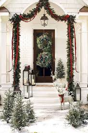 Christmas and Holiday Decorating Ideas: Front Doors and Wreaths - Southern  Living