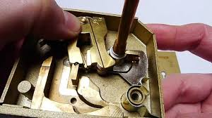 Chubb 7 Lever Lock BS3621 Explained More In Detail - YouTube