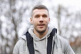 Born łukasz józef podolski, pronounced ˈwukaʂ pɔˈdɔlskʲi, on 4 june 1985) is a german professional footballer who plays as a forward for ekstraklasa club górnik zabrze. Supertalent Juror Lukas Podolski Macht Millionen Deal Mit Rtl Web De