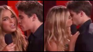 May 17, 2021 · addison rae kissed her he's all that costar, tanner buchanan, at the 2021 mtv movie and tv awards. Addison Rae Kisses Tanner New Boyfriend Youtube