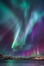 Download the perfect aurora pictures. Aurora Borealis Wallpaper Mobile Phone Page 1 Line 17qq Com