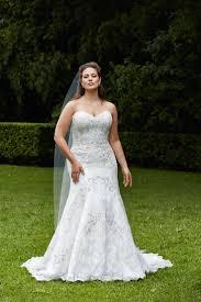 242 best Curvy Bridal images on Pinterest   Boyfriends, Marriage ...