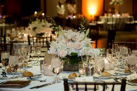 ... White Flower Wedding Centerpieces : Exquisite Wedding Table Decoration  Using Round Dining Tables And White Table ...