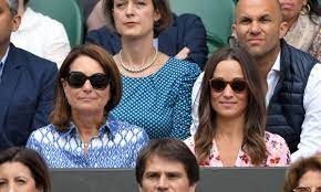 Carole Middleton spotted helping daughter Pippa Middleton with baby Grace |  HELLO!