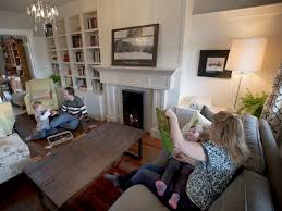 Family Living Room Simple Decorating