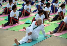at dawn stretches together best pics of yoga day photo at dawn stretches together 10 best pics of yoga day