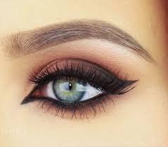 how to easy cat eye makeup meow beauty trusper