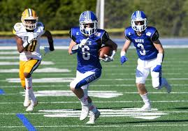 No. 4 Darien stays focused, routs <b>Trinity</b>/Wright Tech with No. 3 ...