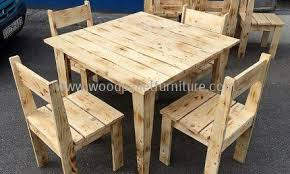 Simple Furniture Set Made with Pallets W..