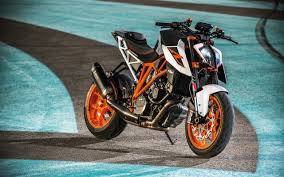 Data Id 318379 - Ktm 1290 Super Duke R ...