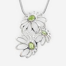 large silver daisies pendant with peridot
