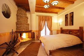 incredible design ideas hotels with a fireplace in room 12 rooms fireplace